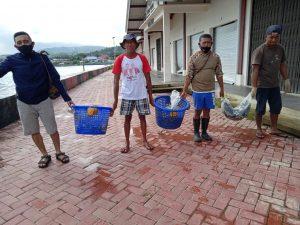 Ratusan Ikan Dari Ambon Diterbangkan ke Jakarta untuk Pasien COVID-19