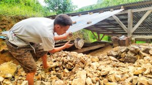 FEATURE: Cerita Petambang Batu Kapur di Bolmong, Merugi Akibat Pembatasan Sosial
