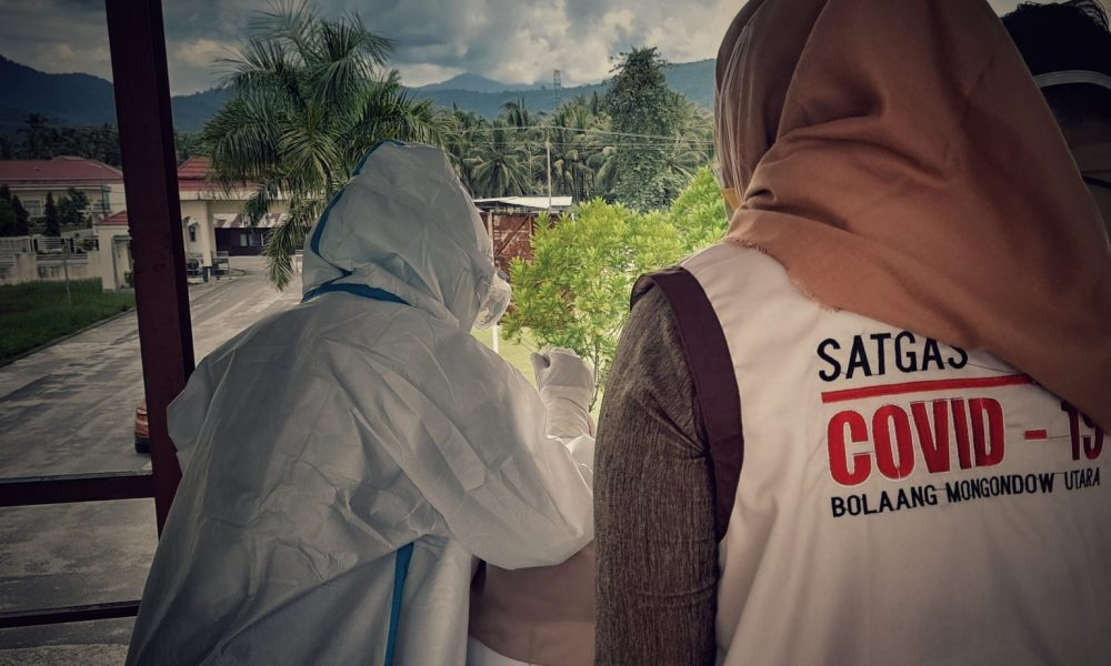Surveilans Aktif Oleh Satgas Covid-19 Bolmut. (Foto Fandri Mamonto)
