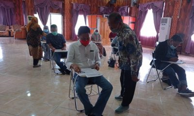 Bupati Bolsel terpilih, Iskandar Kamaru bersama sejumlah ASN Mengikuti ujian saat mendaftar Program Magister (S2) disalah satu Perguruan Tinggi, belum lama ini