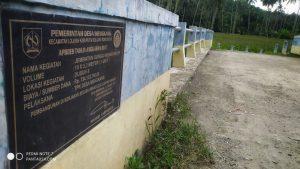 Jembatan Sungai Mongondow di Desa Mengkang yang dibangun lewat APBDes tahun anggaran 2017.