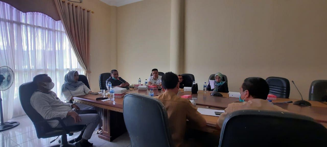 Komisi III DPRD Bolmong saat menggelar RDP bersama Dinas Pertanian.