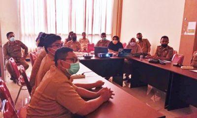 Pertemuan pengisian instrument penilaian Kabupaten Kota Sehat di ruang rapat Bappeda Kabupaten Bolmong