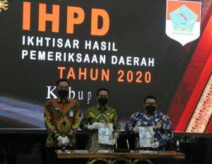 Bupati Boltim Serahkan LKPD 2020 ke BPK