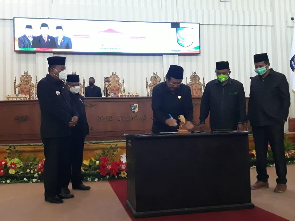 DPRD Bolmut menggelar paripurna penyampaian Pokir dan penetapan Propemperda (1)