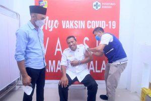 Bupati Bolmut Disuntik Vaksin Covid-19