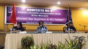 Ketua Umum AJI, Sasmito Madrim Buka Konferta AJI Manado Ke-V