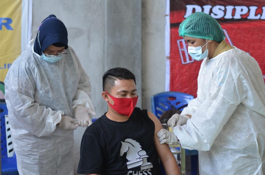 Ilustrasi pelaksanaan vaksinasi di Kabupaten Bolaang Mongondow.