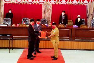 DPRD BolselDengarkan Pidato Bupati dan Wabup Masa Jabatan 2021-2024