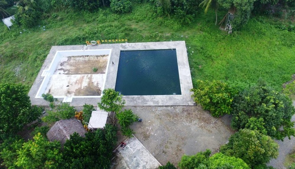 kolam ikan dan kolam pemandian desa mengkang