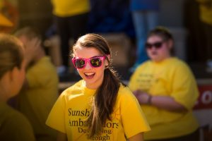 Penyuka Warna Kuning yang Selalu Bahagia, Ceria dan Menyenangkan