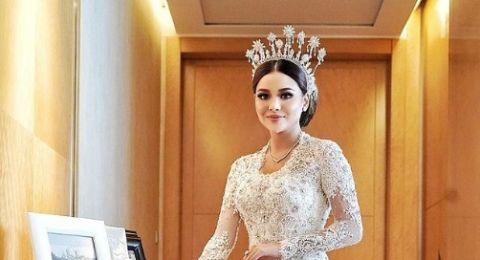 47518-cantiknya-aurel-hermansyah-berbalut-kebaya-pernikahan-bertema-the-princess-diary