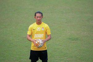 Eks Kiper Persebaya Surabaya, Rivky Mokodompit Resmi Bergabung dengan Dewa United