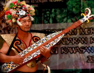 Sampek, Alat Musik Tradisional Suku Dayak Kalimantan Timur