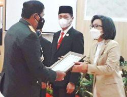 Bupati Bolmong Terima Penghargaan di Hari Bhayangkara ke-75